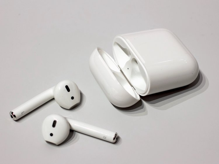 How To Connect To Your New AirPods: step by step