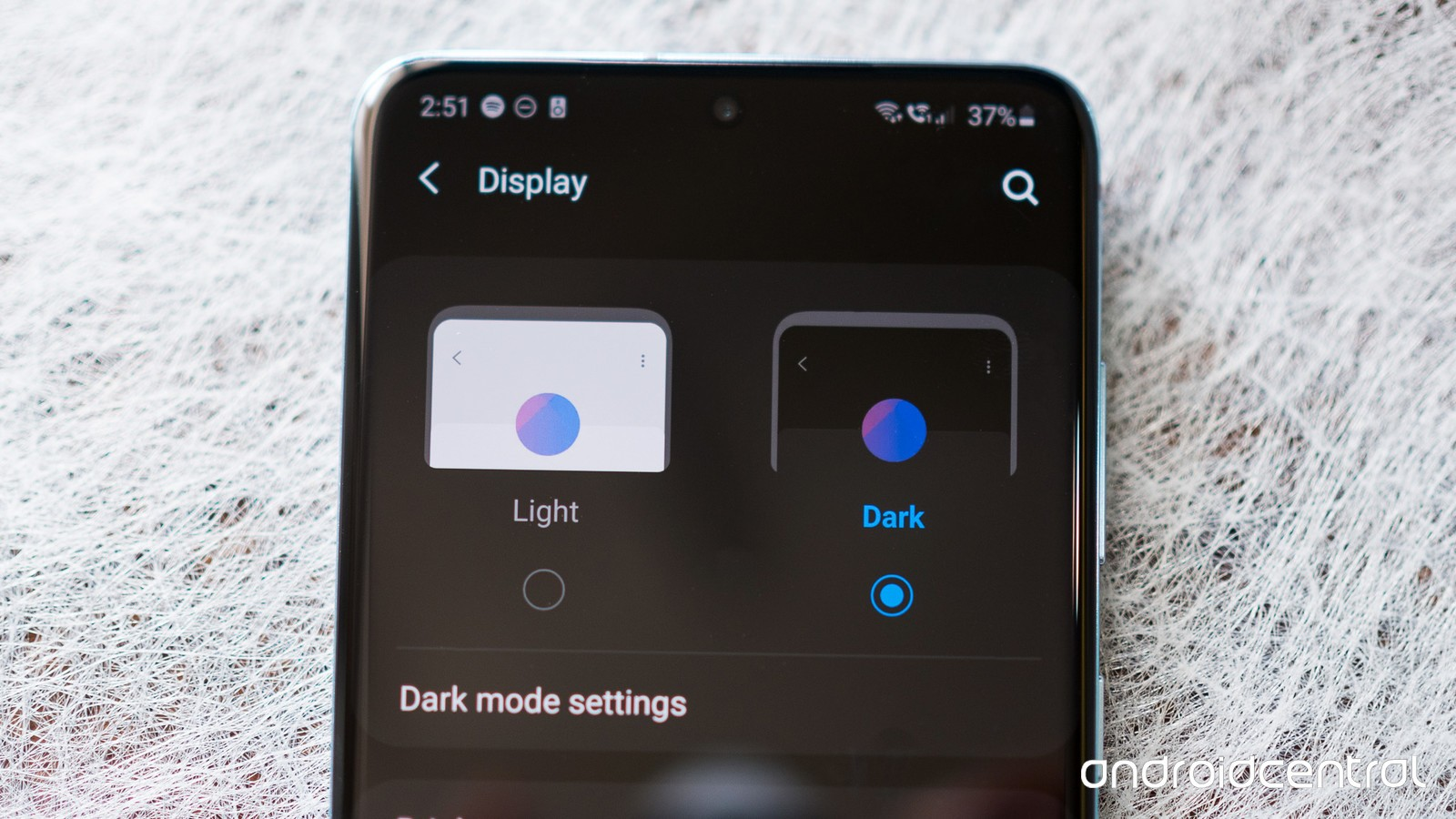 See How To Enable Dark Mode Feature On Samsung Galaxy S20.